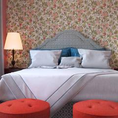 АКАДЕМИЯ ПАРК, 145, КОЛОНИАЛЬНЫЙ: Спальни в . Автор – Loft&Home