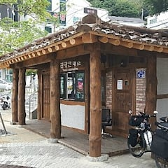 asian Houses by 한국인테리어 (주)명인건설