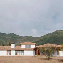 Casa Los Morros: Casas de estilo  por Grupo E Arquitectura y construcción