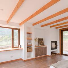 colonial Bedroom by Grupo E Arquitectura y construcción