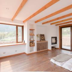 ห้องนอน by Grupo E Arquitectura y construcción