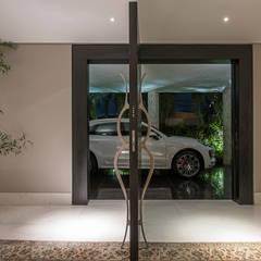 Residência Nova Lima : Janelas   por Andréa Buratto Arquitetura & Decoração