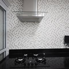 Apartamento São Caetano - 113M²: Cozinhas clássicas por Condecorar Arquitetura e Interiores