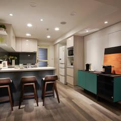 Scandinavian style dining room by 耀昀創意設計有限公司/Alfonso Ideas Scandinavian
