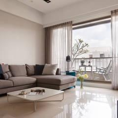 淨化:  客廳 by 耀昀創意設計有限公司/Alfonso Ideas