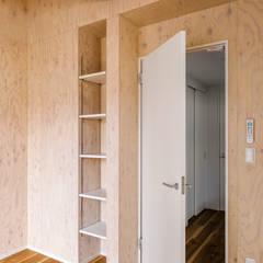 Houten deuren door 株式会社小木野貴光アトリエ 級建築士事務所