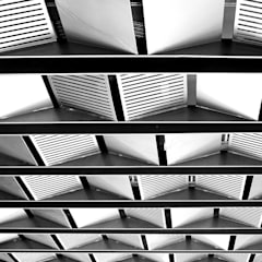 Interior of Rajesh Patel Modern windows & doors by Architects at Work Modern
