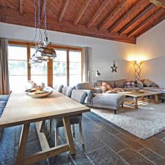 Ferienhaus Laax (CH):  Esszimmer von Dr. Schmitz-Riol Planungsgesellschaft mbH