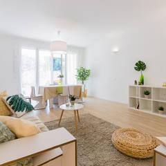 Appartamento campione in cantiere: Soggiorno in stile  di Home Staging & Dintorni