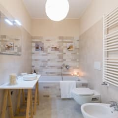 Bathroom by Home Staging & Dintorni