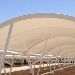 Tenda Membrane: Taman oleh Putra Canopy, Modern Metal