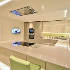 Springfield, Chelmsford Essex Modern kitchen by Kitchencraft Modern
