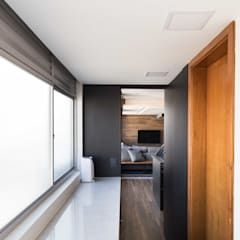 Paredes de estilo  por Bibiana Menegaz - Arquitetura de Atmosfera