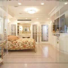 HM: 菅原浩太建築設計事務所が手掛けた寝室です。,