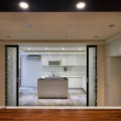 /2:  廚房 by 世家新室內裝修公司