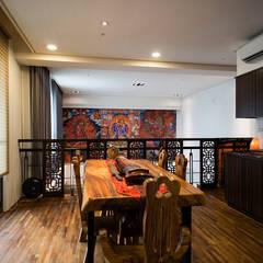 Salas de jantar  por 世家新室內裝修公司