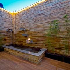 :  水療 by 世家新室內裝修公司, 現代風