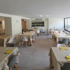 Da Giorgio | Ristorante Albergo Ardesio: Hotel in stile  di architetto giuseppe bellinelli