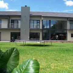 خانه ها توسطjonroy design studio, مدرن