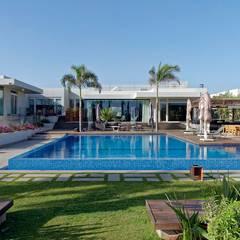 Pyramid Hills Villa:  Houses by Jam Space Ltd