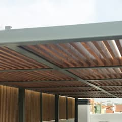 Pérgula para Sombreamento: Terraços  por mube arquitectura