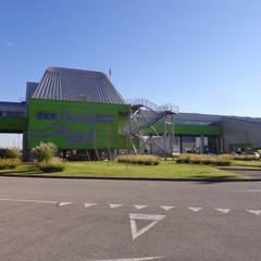 Buffalora Maintenance Depot: Garage/Rimessa in stile  di Studio Associato di architettura MBiM