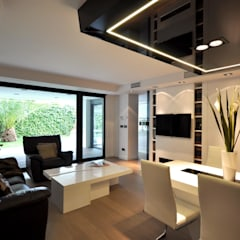 : Salones de estilo moderno de Estudio Arinni S.L.