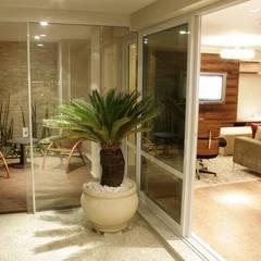 Arquitetura de Interior Varandas, alpendres e terraços clássicos por Daniela Tolotti Arquitetura e Design Clássico