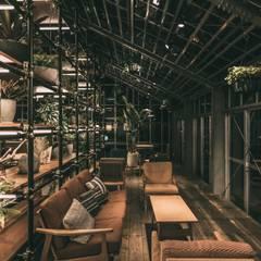 ANEMONE  PETCARE  RESORT: 株式会社シーンデザイン建築設計事務所が手掛けた商業空間です。,インダストリアル