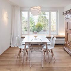 Wohnstil _ Skandinavisch: skandinavische Esszimmer von Innenarchitektur-Moll
