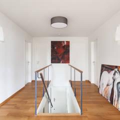 Wohnstil _ Skandinavisch:  Flur & Diele von Innenarchitektur-Moll