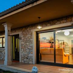 CHALET EN CHAS - COIROS (A CORUÑA): Casas de estilo  de MORANDO INMOBILIARIA