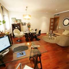 Offices & stores by CONSUELO TORRES Proyectos Globales de Interiorismo