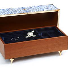 Guilty | Caixa de Jóias | Jewel Box Closets clássicos por Bat eye Clássico