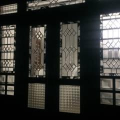 Main door:  Houses by Glasstec
