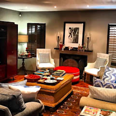 Living Room:  Living room by CS DESIGN