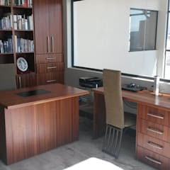 classic Study/office by SCD Kitchens