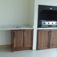 Braai area:  Patios by SCD Kitchens