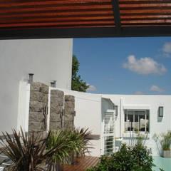 REMODELACION Y AMPLIACION PH EN PALERMO - BUENOS AIRES: Terrazas de estilo  por Arquitecta MORIELLO
