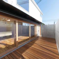 S-house: coil松村一輝建設計事務所が手掛けたテラス・ベランダです。