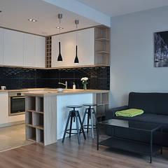 Mieszkanie 80m2 - Wiślane Tarasy: styl , w kategorii Kuchnia zaprojektowany przez INNers - architektura wnętrza