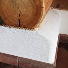 Haus Racoon Hill:  Flur & Diele von das holzhaus Oliver Schattat GmbH