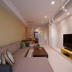 讓時間與青春駐足的美式混搭個性宅:  客廳 by 趙玲室內設計