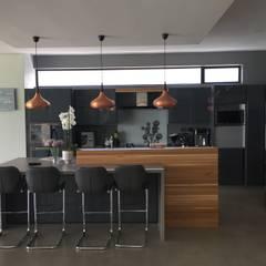 House Verster - Johannesburg :  Kitchen by Graftink Interior and Architectural Design Studio