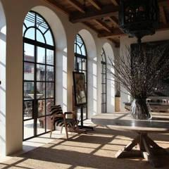 Ralph Lauren designer Alfred Pa's incredible NYC apartment من Clement Windows حداثي