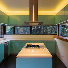 Kitchen by Nicolas Loi + Arquitectos Asociados