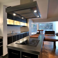 Built-in kitchens by Nicolas Loi + Arquitectos Asociados
