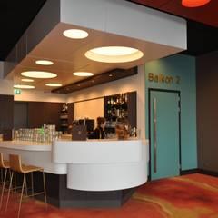 Bioscoop Veldhoven:  Bars & clubs door Bobarchitectuur