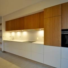 Keuken:  Keuken door Bobarchitectuur