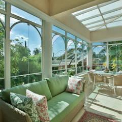 CASA J.J Varandas, alpendres e terraços clássicos por Eustáquio Leite Arquitetura Clássico